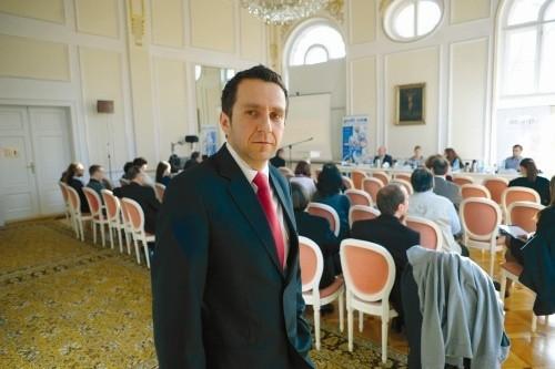 Marcin Juszczyk, prezes byczyńskiej spółdzielni socjalnej, służy pomocą osobom, które są zainteresowane, by pójść w jego ślady. (fot. Sławomir Mirlnik)