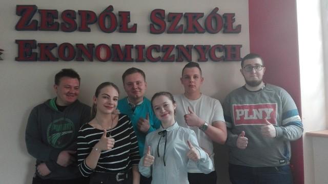 Laureaci i finaliści: R. Przespolewski, J. Kowalczyk, J. Swereda, M. Leśniak, W. Rejzner, N. Charowska