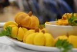 Jakie czasy, takie Święto Dyni w Tuchomiu. Jurorzy ocenili 16 potraw w trzech kategoriach   ZDJĘCIA+WIDEO