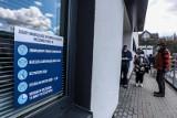 Koronawirus w Polsce. 215 nowych zakażeniach. Ostatniej doby zmarły 52
