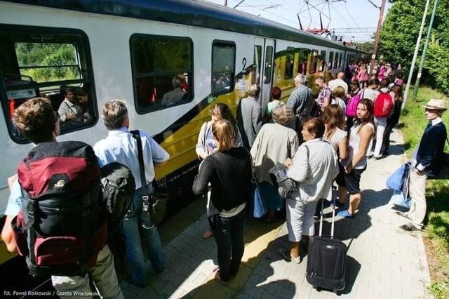 W sierpniu, pasażerowie PKP przesiadali się na prom