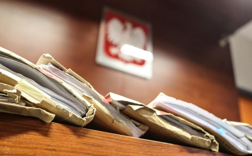 Jest wyrok w sprawie kasjerki CBA, która wyniosła ponad 9,2...