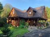 Drewniane domy na sprzedaż w Bieszczadach. Niektóre można kupić za grosze [ZDJĘCIA]