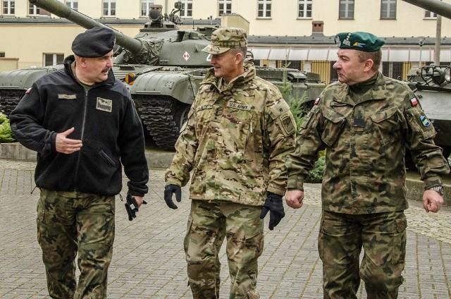 Gen. Daniel Allyn, zastępca szefa sztabu armii Stanów Zjednoczonych, gościł w Czarnej Dywizji.