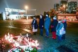 Uroczystości w 39. rocznicę wprowadzenia stanu wojennego. Władze Gdańska oddały hołd ofiarom przy Pomniku Poległych Stoczniowców
