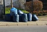 """Niepołomice. Co piąty mieszkaniec gminy Niepołomice nie płaci za śmieci. Ruszyły kontrole """"śmieciowych"""" deklaracji"""