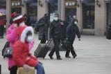 """Koronawirus. Chiny: """"Smog śmierci"""" nad Wuhan. Fang Bin, który potajemnie filmował ofiary wirusa nCoV, został aresztowany [WIDEO]"""