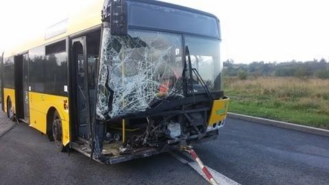 Wypadek autobusu na DTŚ w Świętochłowicach