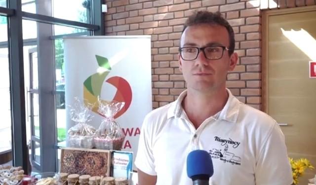 - Miód od pszczelarza ma wiele walorów zdrowotnych - przekonywał podczas konferencji w Warce Jakub Tuszyński.