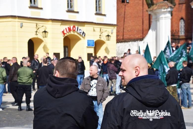 Ruszył proces członków ONR ws. antysemickich haseł podczas rocznicowych obchodów w Białymstoku