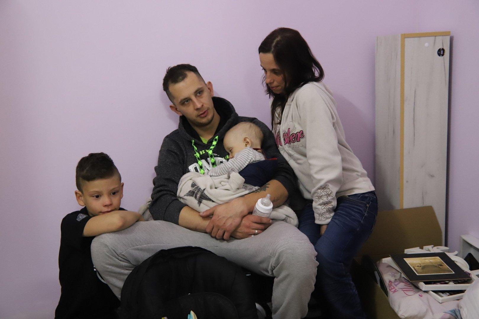 2124b053d41576 Trójka rodzeństwa z domu dziecka zamieszka z mamą. Wystarczyło mieszkanie  od miasta i pomoc fundacji | Dziennik Łódzki