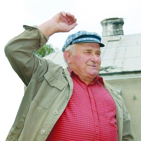 Nikt nie chce przenieść bocianiego gniazda z mojego komina - mówi Kazimierz Jaromiński
