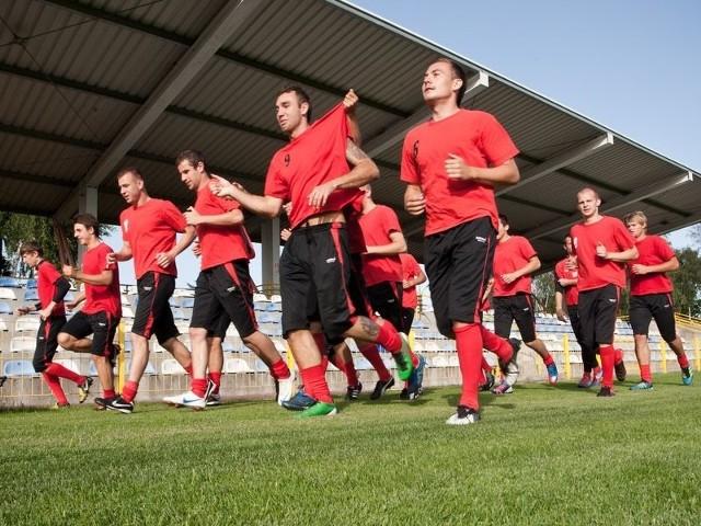 W poniedziałek pierwszy trening mieli piłkarze Gryfa Słupsk. Tym samym rozpoczęli przygotowania do nowego sezonu w Bałtyckiej III lidze.