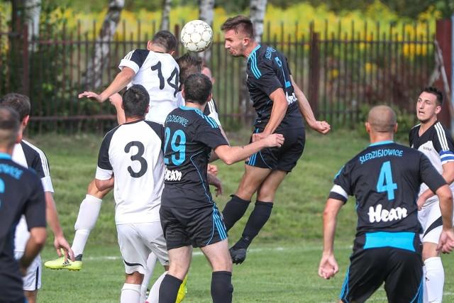 Piłkarze LKS Śledziejowice prowadzą w tabeli grupy III klasy okręgowej Kraków