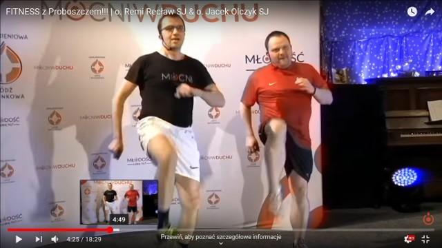 Fitness z proboszczem