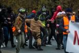 Bitwa policji z pseudokibicami na Marszu Niepodległości w Warszawie WIDEO, ZDJĘCIA 14.11