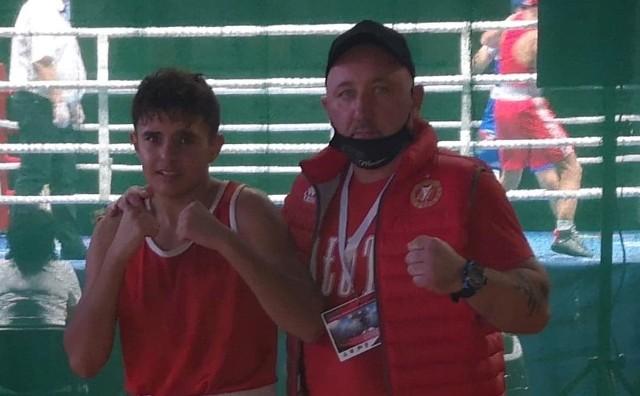 Kamaro Paćkowski i jego trener Bogdan Szuba
