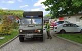 Ewakuacja ośrodka opieki Ad-Finem w Czernichowie. Wszyscy pensjonariusze opuszczają ośrodek