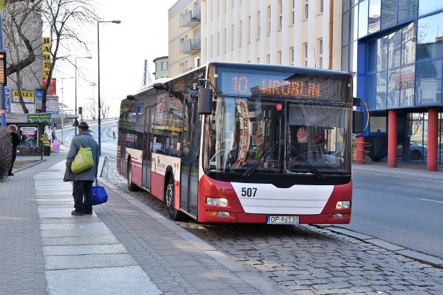Koronawirus. Dodatkowe środki ostrożności w autobusach MZK w Opolu i informacje na przystankach