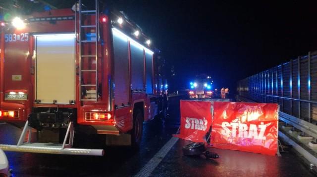 Śmiertelny wypadek na A1 koło Łodzi wydarzył się w sobotę 23 maja około godziny 21. KLIKNIJ DALEJ