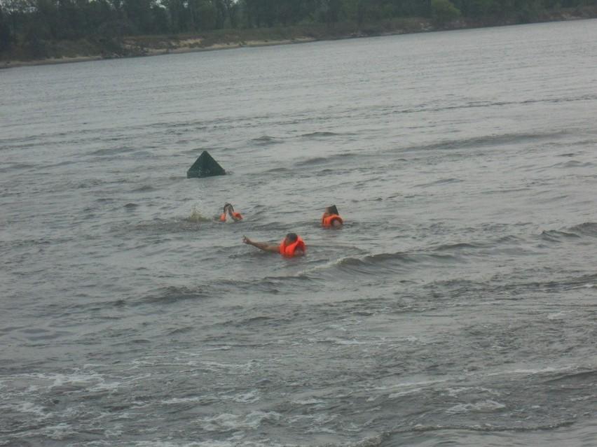 53-letek najprawdopodobniej wypadł z łódki, wczoraj wieczorem dosyć mocno wiało.