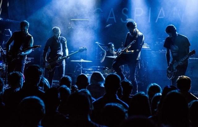 Grupa Caspian powstała w 2003 roku w Beverly i od początku zwracała na siebie uwagę na undergroundowej scenie post-rocka w USA. Przeważnie instrumentalne utwory zespołu to przedziwna mieszanka ciężkich, gitarowych riffów oraz delikatnych, melancholijnych brzmień.