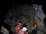 TOPR: Są problemy. W jaskini oberwały się skały