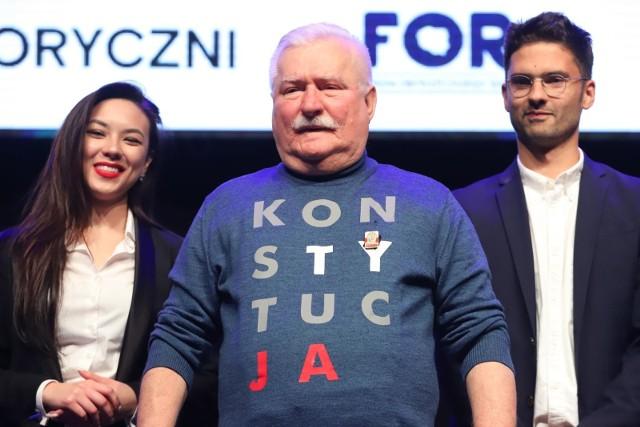 Lech Wałęsa oświadczył, że nie przeprosi za swoje słowa o zmarłym niedawno Kornelu Morawieckim. Były prezydent oznajmił również, że w najbliższych wyborach parlamentarnych zagłosuje na swojego syna – Jarosława.
