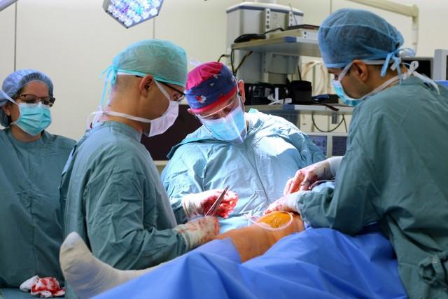 Dopiero w listopadzie szpitale dowiedzą się, ile dostaną za nadwykonania