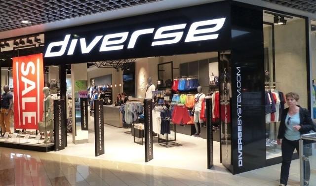 """W skarżyskim Hermesie znikają sklepy, jest jeden nowyW ostatnią sobotę otwarto tam nowy, duży sklep odzieżowy marki """"Diverse""""."""