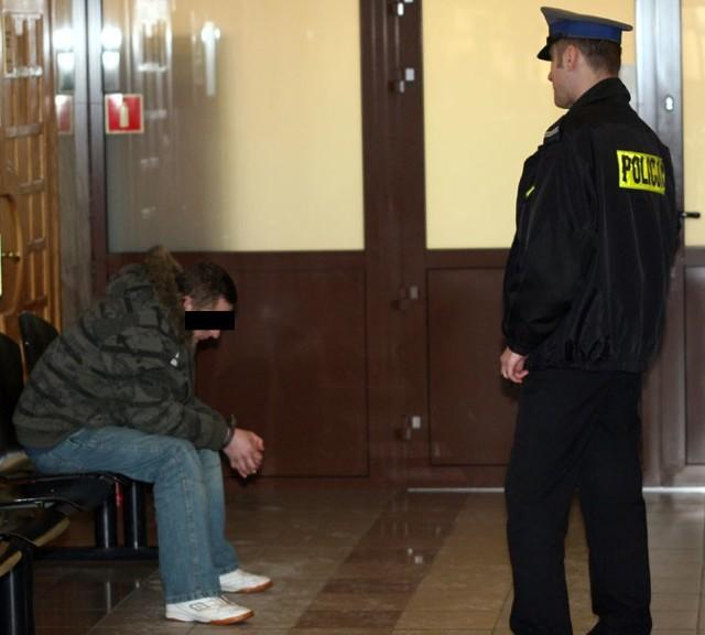 23-latek z Durdów został przez sąd tymczasowo aresztowany na trzy miesiące.