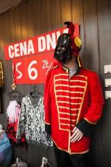 Wiosenne zakupy 2021. Popyt na sukienki i buty, do gry w klientów wkraczają lumpexy online