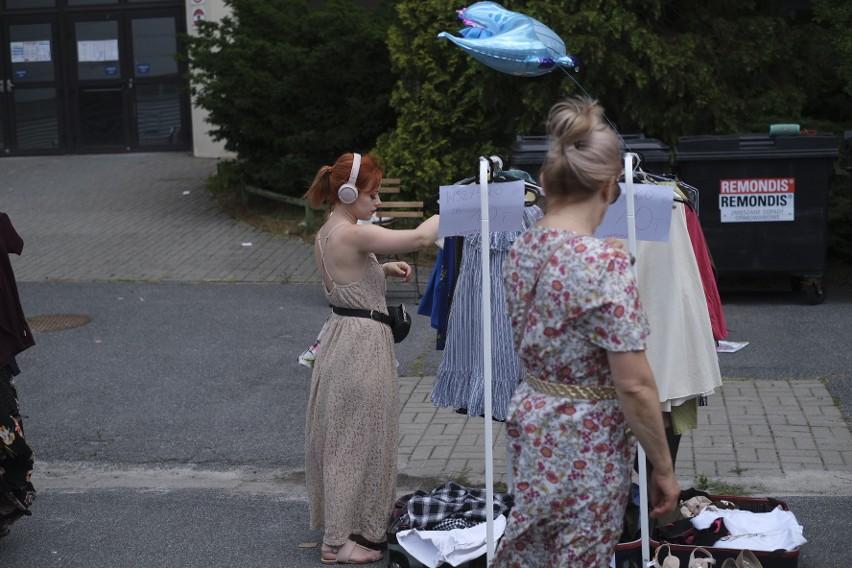 Babi Targ, wietrzenie szafy na MTP w Poznaniu