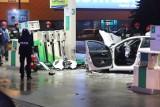 Pijana 17-latka kierowała autem, które wjechało w stację benzynową na al. Jana Pawła II w Łodzi! [ZDJĘCIA]