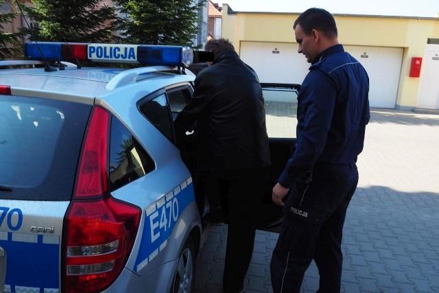 Policjanci z Dobiegniewa zatrzymali mężczyznę, poszukiwanego listem gończym.