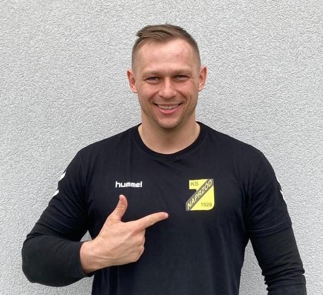 Tomasz Puchrowicz - człowiek wielozadaniowy, po 2,5 roku przerwy wiosną tego roku wrócił do drużyny Naprzód Jędrzejów.