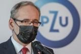 Powrót do szkół. Minister zdrowia Adam Niedzielski podczas konferencji podał plan powrotu dzieci do nauki stacjonarnej