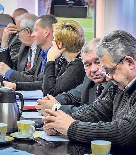 10 radnych było za  przyjęciem budżetu, jeden sprzeciwił się, trzech wstrzymało się od głosu.