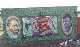 Nowe graffiti w Stargardzie. Portrety znanych malarzy na ścianie garażu