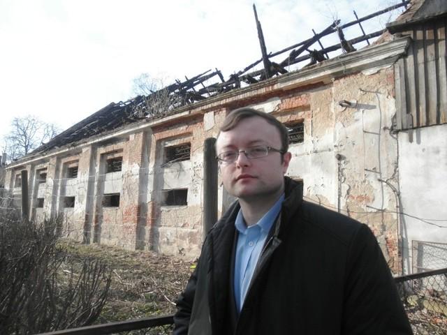 - Dawny spichlerz byłby doskonałym miejscem na dom kultury, który w Dobiegniewie powinien powstać – uważa radny Michał Gacki