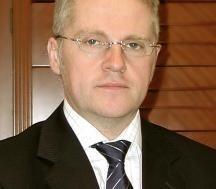 Po tragicznej śmierci prezesa Narodowego Banku Polskiego Sławomira Skrzypka, NBP kieruje Piotr Wiesiołek
