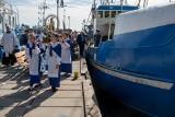 30. rocznica wizyty Jana Pawła II w Gdyni. Kutry rybackie z figurą Matki Boskiej Swarzewskiej