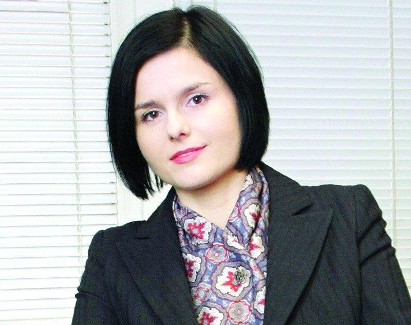 242ced5dfe74c Przewodniczką po świcie stylu jest Aneta Rostecka, stylista, filozof  sztuki, wykładająca w Szkole