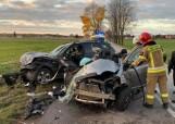 Wypadek pod Tuszynem. Nie żyje 20-latek z powiatu piotrkowskiego. Trzy kolejne osoby są ranne ZDJĘCIA