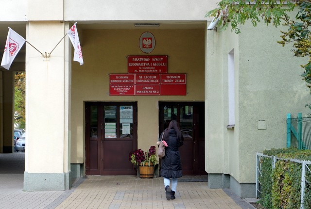 Uczniowie będą mieli lekcje m.in. w Państwowej Szkole Budownictwa i Geodezji przy al. Racławickich w Lublinie