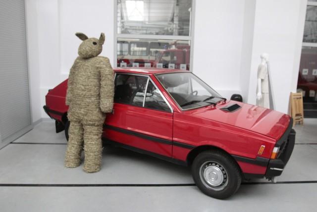 Samochody z demoludów będzie można oglądać od soboty 25 października do 1 marca 2015 roku.