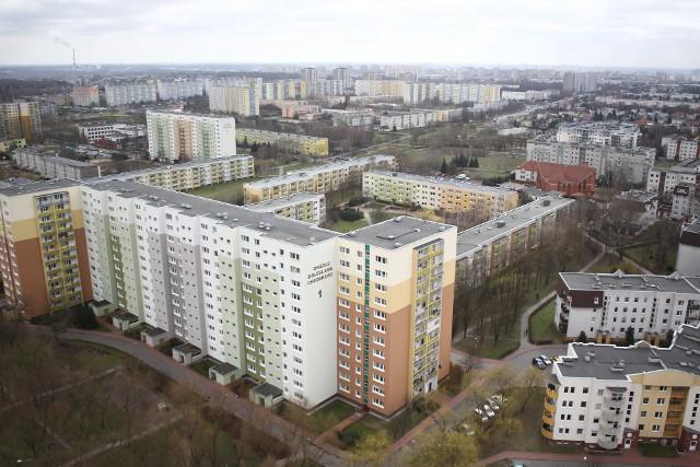 Poznańska Spółdzielnia Mieszkaniowa: Za windy w wielopiętrowych budynkach na Piątkowie mieszkańcy zapłacą od m2 mieszkania.