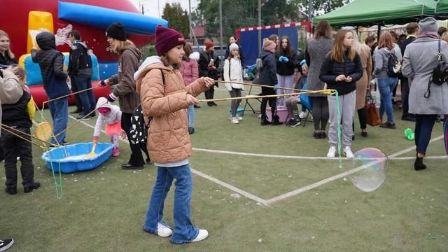 Starsi i młodsi mieszkańcy Kozienic i okolic bawili się w niedzielę na II Festynie Hospicyjnym.