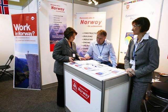 Wśród tegorocznych ofert są liczne propozycje zatrudnienia za granicą. Tak było też w 2009 roku
