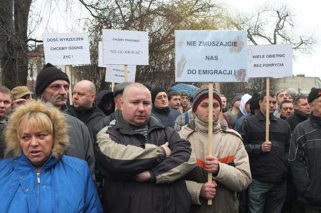 Tabor Szynowy z Opola upada. Pracownicy protestują [wideo]Pracownicy pikietowali dziś przez biurowcem Taboru Szynowego.
